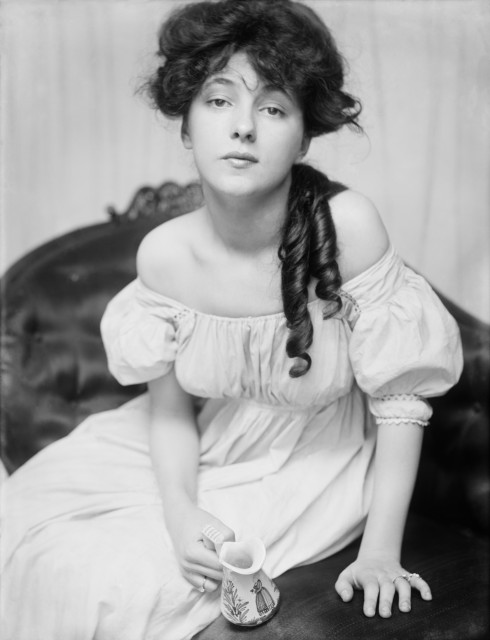 Evelyn Nesbit, ca. 1900